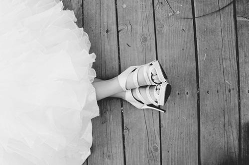 個性際立つミニ丈ウェディングドレス