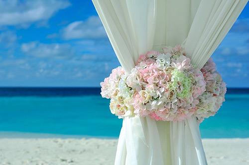 リゾ婚におすすめしたいウエディングドレス