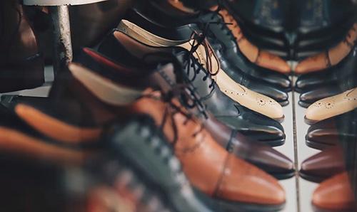 意外と迷う!新郎の靴は何色が正解?