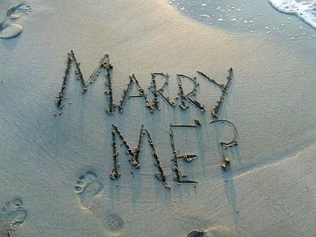 国際結婚のウエディングドレス・タキシードはどうする?